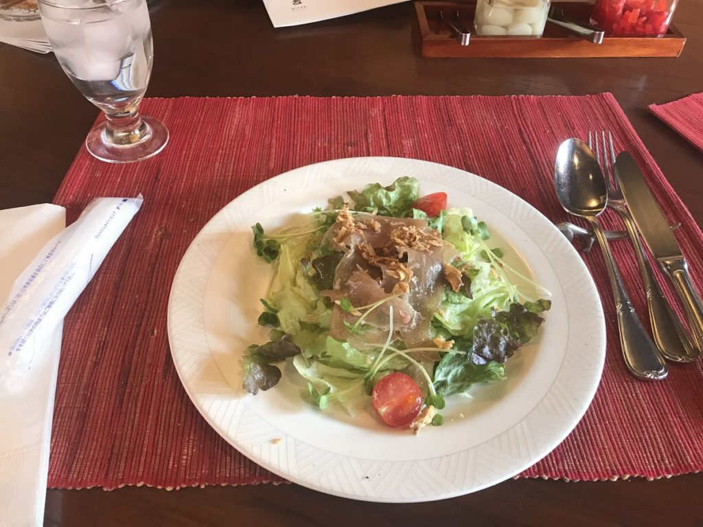 CURRY味善のスペシャルサラダ(生ハム)